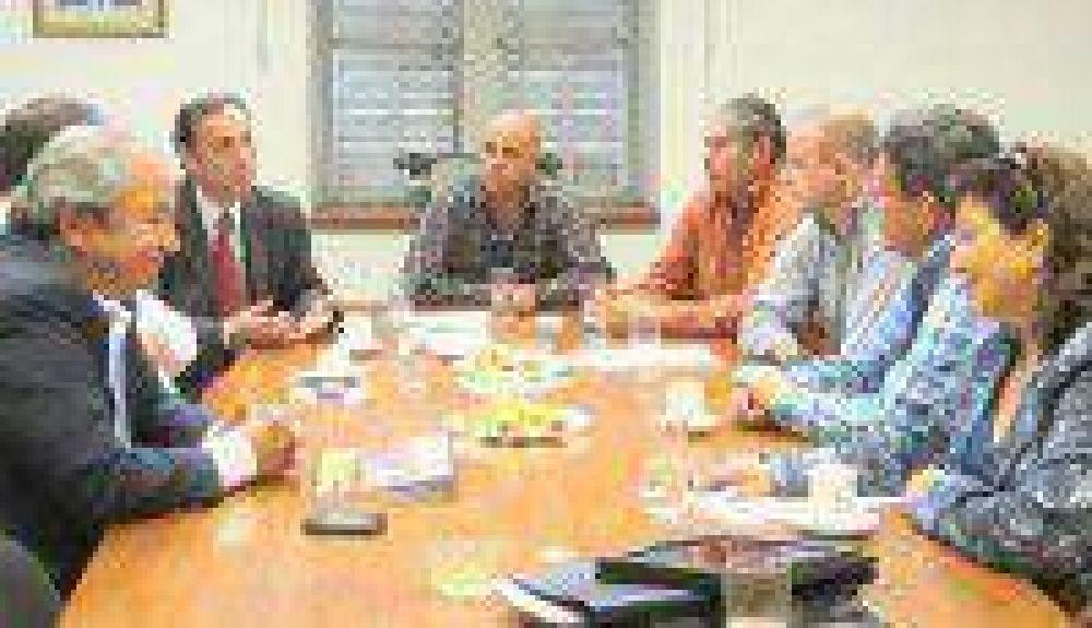 Empresarios turísticos plantearon inquietudes a diputados