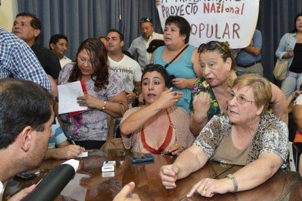 El Gobierno aprieta a los gremios evaluando firmar un decreto de 22% de aumento en tres cuotas