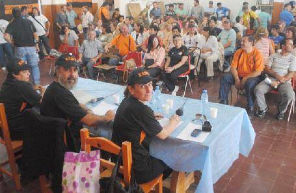 Los municipales rechazaron ofrecimiento del Ejecutivo y marcharán a la comuna