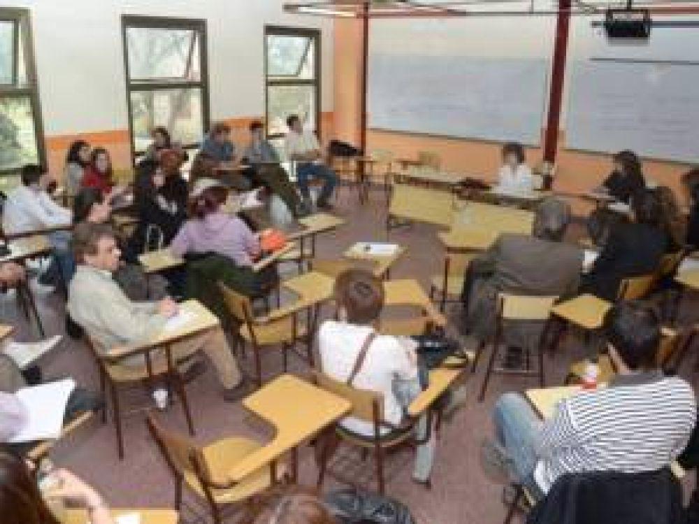 Docentes de la UNSL iniciaron plan de lucha por sus salarios