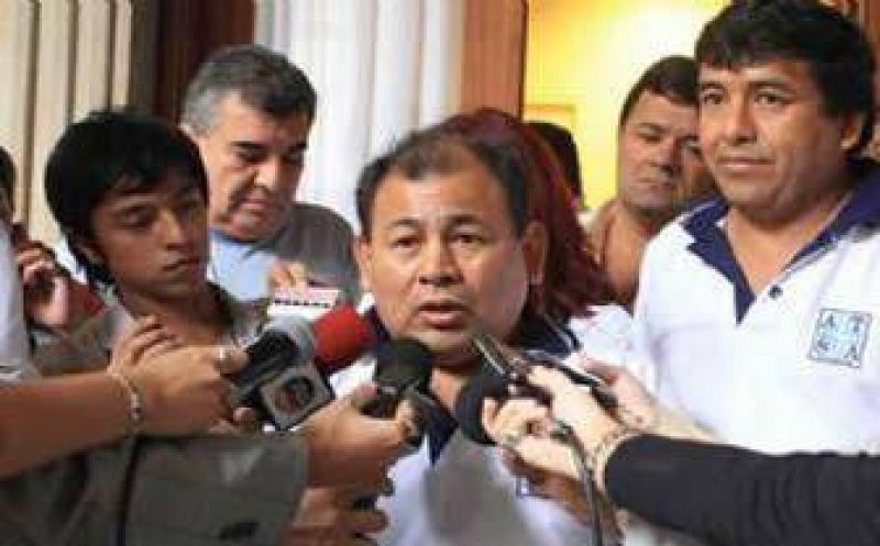 Gremios de la sanidad y autoridades del Gobierno se reúnen el martes