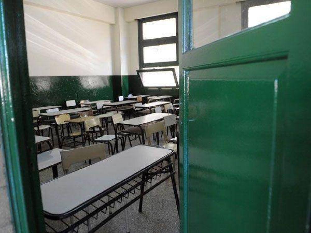Docentes inician su sexto día de paro desde que arrancaron las clases