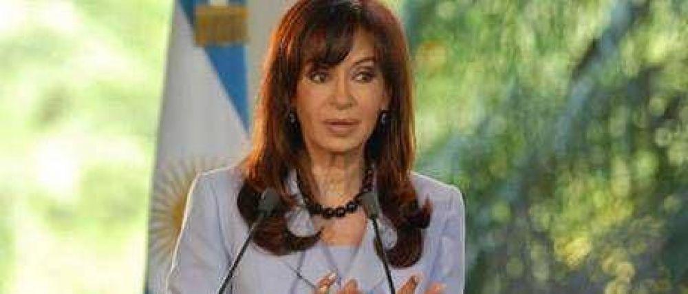 """Cristina defendió el """"modelo"""" que bajó el desempleo"""