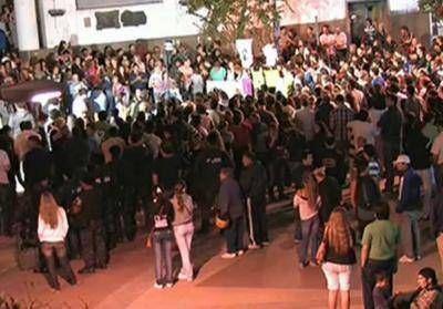 """Al grito de """"basta de muertes y robos"""" los vecinos de Junín reclamaron vivir en paz"""