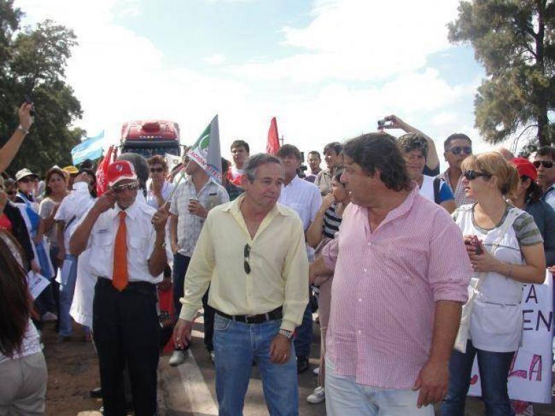 Docentes de SITECH Federación levantaron el corte en el acceso a Sáenz Peña