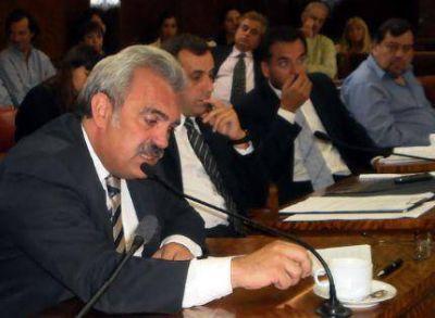Héctor Rosso propone el nombre de Francisco a la Plaza de la Canchita de los Bomberos