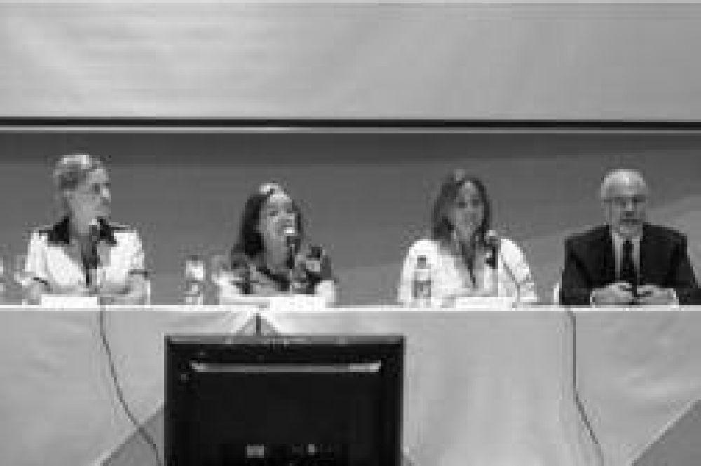 Con la temática de igualdad de género en la Justicia, se desarrolla el Encuentro de Mujeres Juezas en Puerto Iguazú