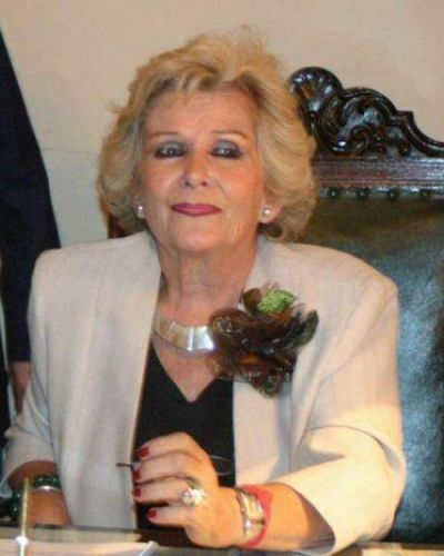 Josefina Meabe pisa fuerte en la Nación
