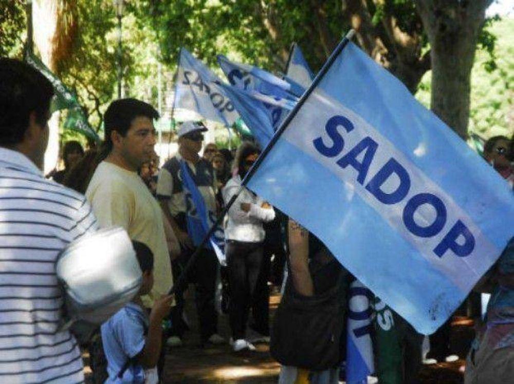 Desde el Sadop advierten que un aumento salarial para los maestros se trasladará a las cuotas