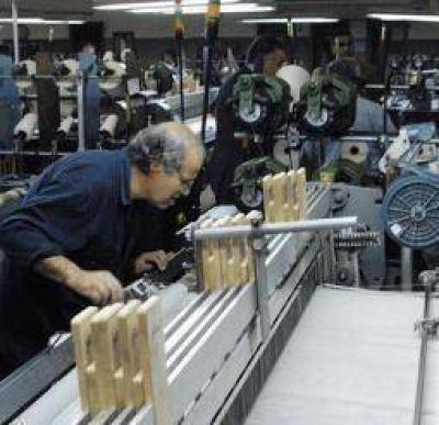 Promoción Industrial. Compromiso oficial con gremios para evitar despidos