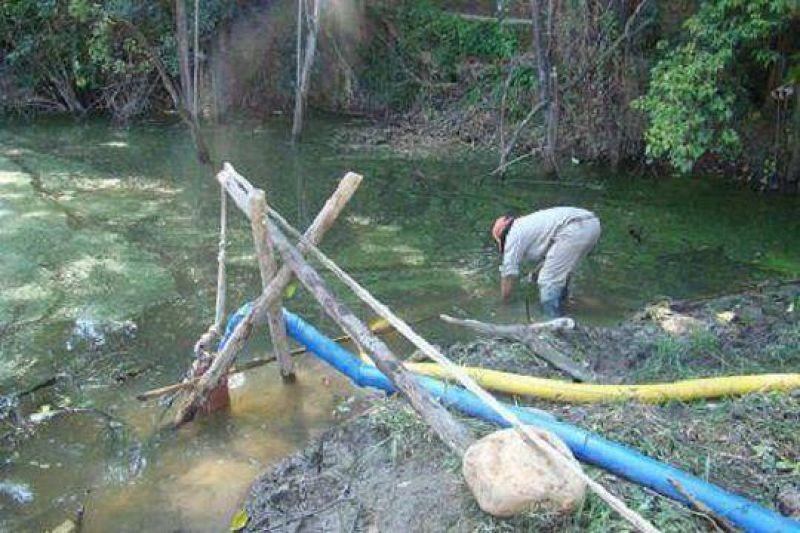 Dengue:La comuna inicio el desagote de una laguna