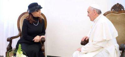 El papa Francisco le recordó a Cristina el drama de la pobreza
