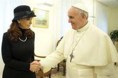 """Tras el almuerzo, Cristina Kirchner elogia al papa Francisco y destaca """"su sencillez"""""""