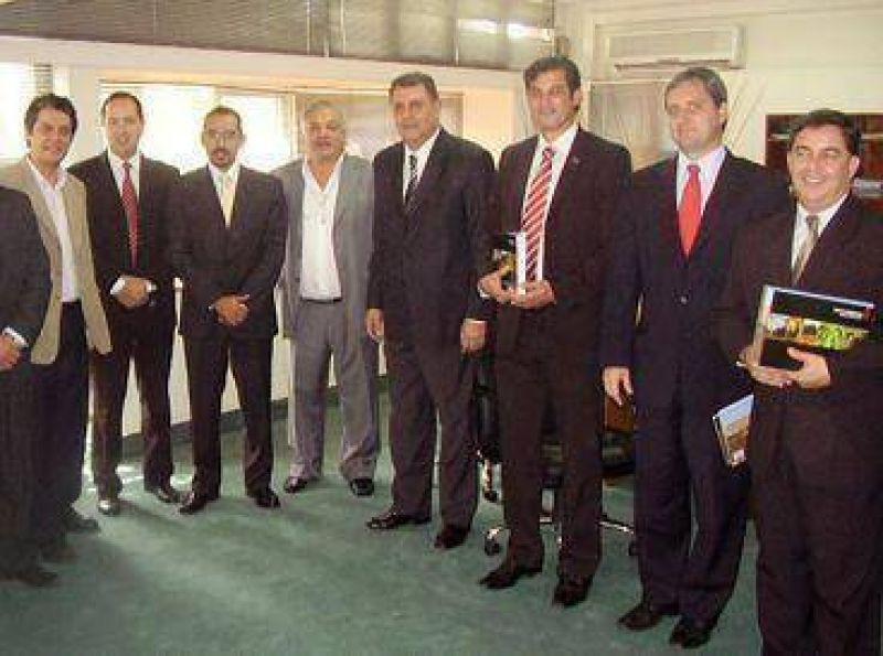 Inter�s brasilero en exportar productos salte�os.