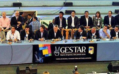 Espinoza en el Encuentro Nacional del Partido Justicialista en Paraná