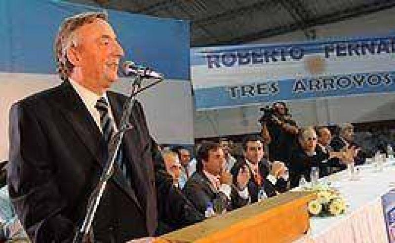 """Advierten por retroceso en la economía pero para Kirchner """"la Argentina no ha caído en recesión"""""""