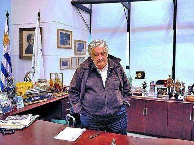¿Por qué Mujica no fue a la asunción de Francisco?