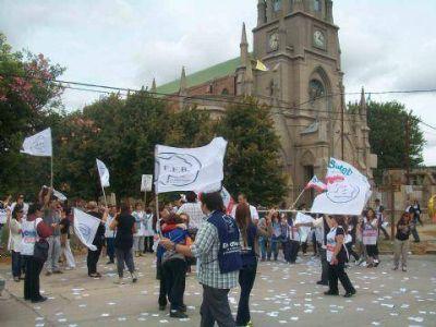 """La """"caravana por la educación"""" pasó por Ramallo"""