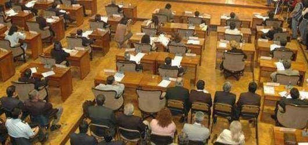 Legislatura: dos sesiones e ingresos de proyectos del Ejecutivo