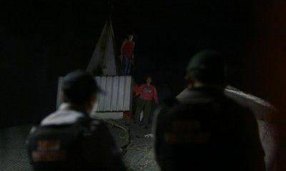 Redujeron a las internas que protagonizaron el motín y hubo disturbios en la puerta del penal