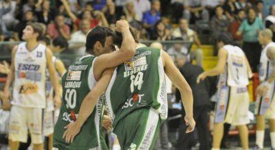 Atenas le ganó a Sionista de Paraná y se metió en los cuartos de final