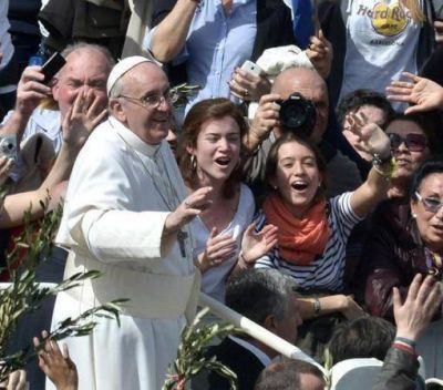 El papa Francisco encabeza la liturgia del Viernes Santo