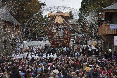 El Gigante de Chocolate volvió a repartirse entre miles y coronó el momento más esperado