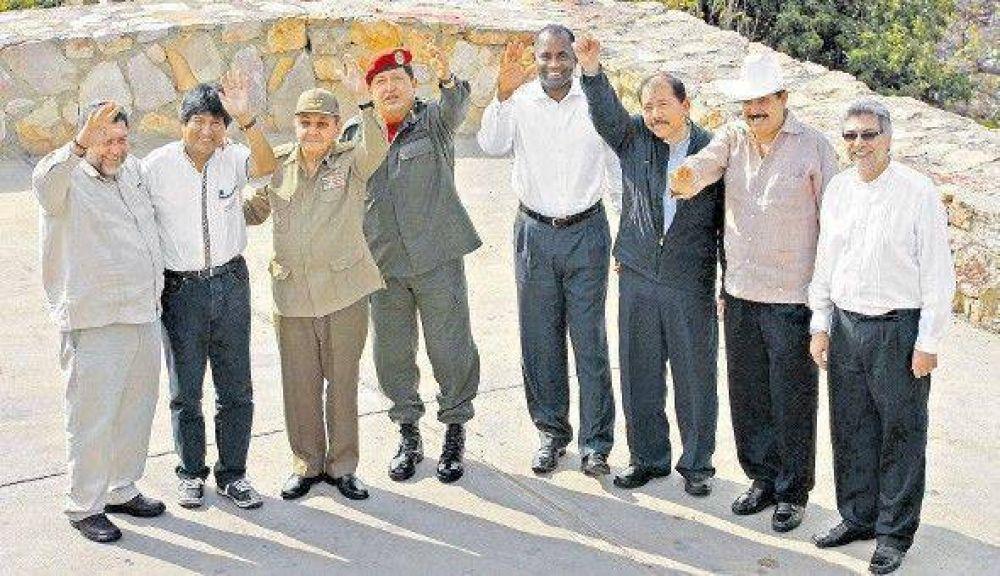 """Raúl Castro: """"Estamos abiertos a discutir todo con los EE.UU."""""""