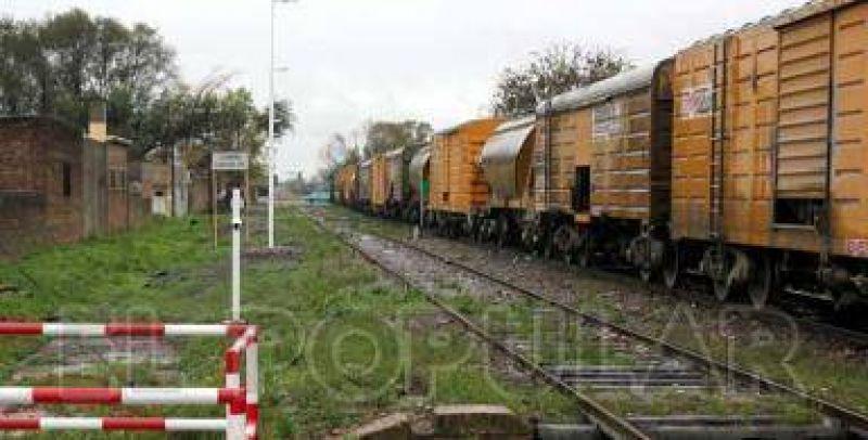 Tras un llamado del Ministerio de Trabajo suspendieron el paro de ferrocarriles