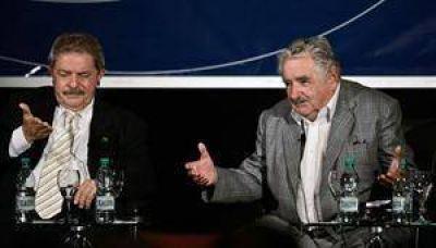Mujica envió un mensaje de hermandad, pero no se disculpó por sus críticas