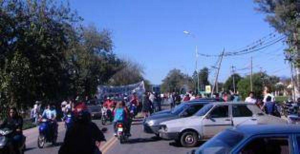 Veinte cortes aislaron por tres horas a Tucumán