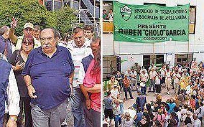 Se retrasan los acuerdos salariales entre comunas y sindicatos