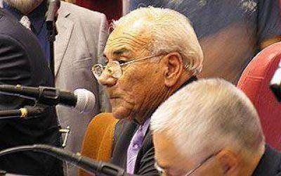 El PJ defendió el aumento salarial del 15% a los municipales