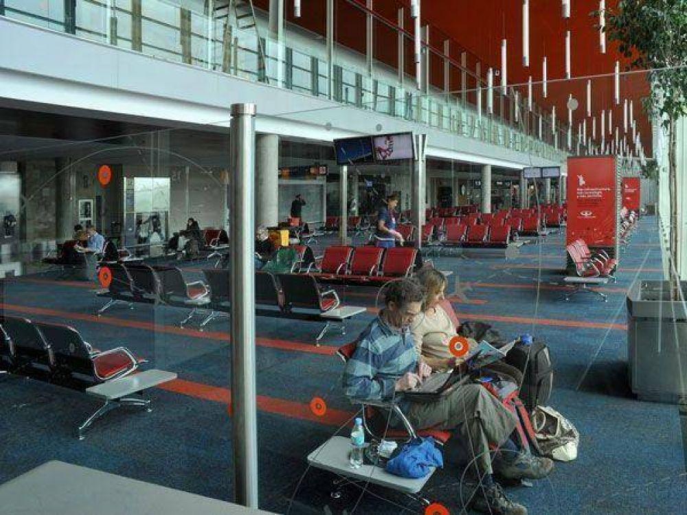 Ezeiza: gremialistas aeronaúticos amenazan con paralizar toda la actividad