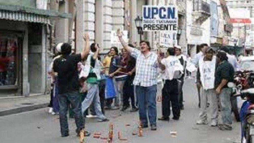 Estatales volvieron a protestar con piquetes y preparan una marcha a la Plaza
