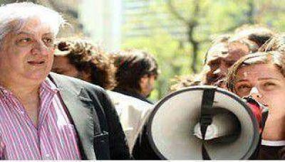 Democratizaci�n: judiciales de Naci�n en contra, porte�os a favor