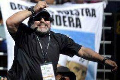 Maradona participará en el acto de cierre de campaña de Maduro