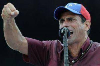 Capriles dijo que Argentina debe u$s 13 mil millones a Venezuela