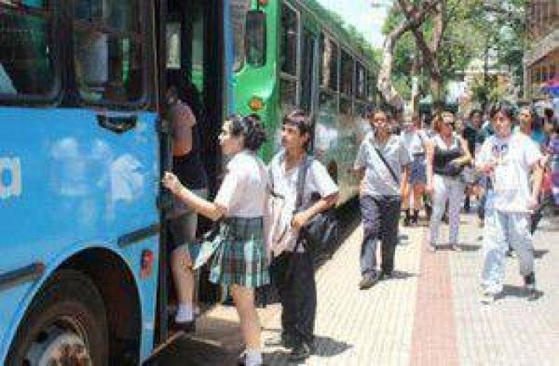 Desde UTE El Libertador aclararon que están desbordados por la cantidad de solicitudes para obtener el boleto estudiantil gratuito