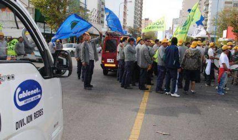 Los trabajadores de Cablenet llegaron a un acuerdo con la empresa y levantaron el paro