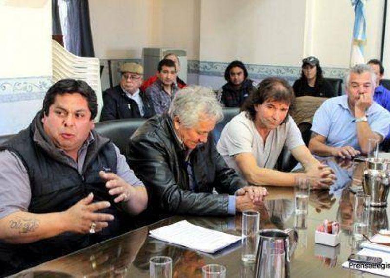 El sindicato de petroleros reclamó por tratamiento de contratos
