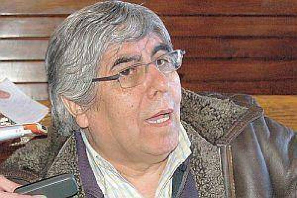 Moyano volvió a criticar el acuerdo de precios