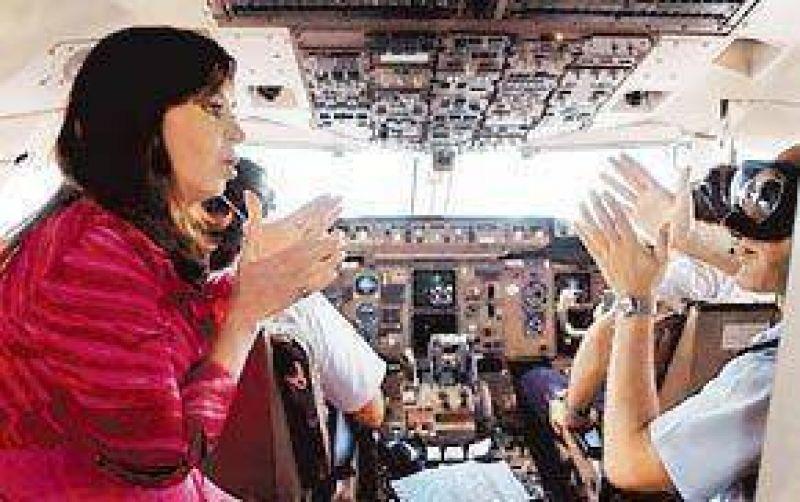 El avi�n de Cristina se averi� y tuvo que aterrizar en Caracas