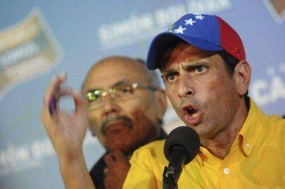 """Capriles no reconoce la derrota y pide """"un recuento"""""""