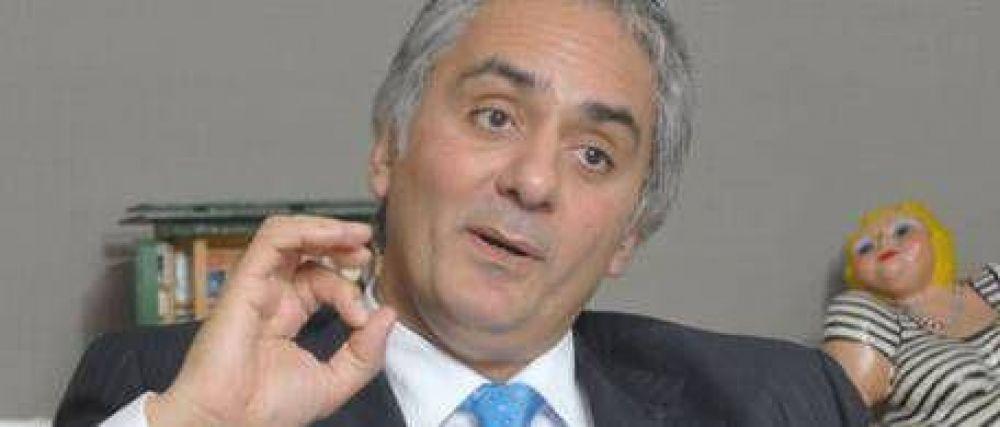 """Montoya dijo que """"conversará"""" con Solá y De Narváez"""