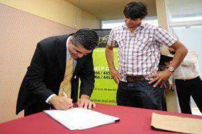 La Universidad de La Punta brindará internet a siete empresas