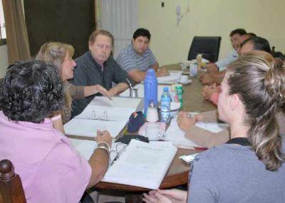 Vecinos se reunieron con ediles para analizar problemas de la ciudad