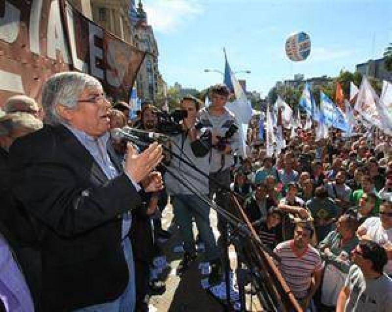 Moyano encabezó una huelga judicial contra la reforma