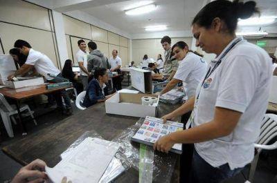 Paraguay se encamina a unas presidenciales con alta polarización entre liberales y colorados