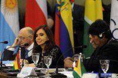 Presidentes de la Unasur se reúnen en Perú esta noche